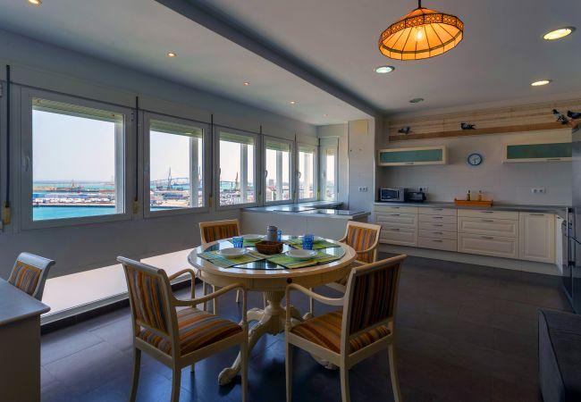 Apartamento en Cádiz - CIELO Gaditano Family Home (Free parking)